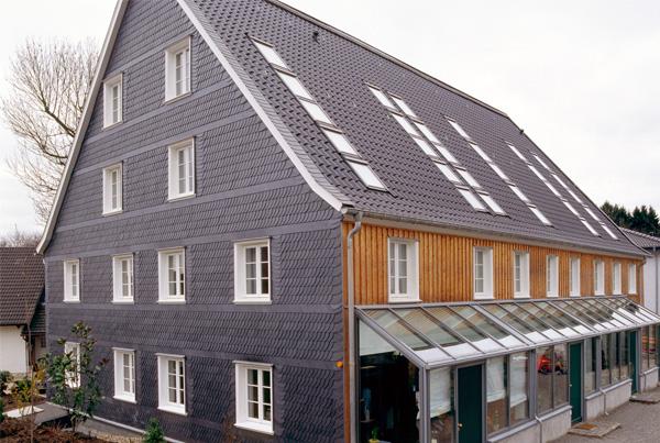 willkommen beim dachdecker tim schindler in wermelskirchen. Black Bedroom Furniture Sets. Home Design Ideas